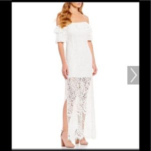Dresses & Skirts - NWT Off the shoulder lace dress.